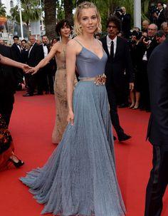 Robe Cannes Sienna Miller