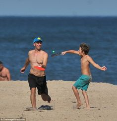 Gwyneth Paltrow and Chris Martin enjoy day at The Hamptons beach with kids | Daily Mail Online