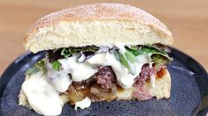 Fondant and very greedy, the burger flowing with camembert rnrnSource by demotivateurFood Easy Healthy Dinners, Healthy Eating Tips, Healthy Dinner Recipes, Breakfast Recipes, Beef Recipes, Salad Recipes, Hamburger Recipes, Buzzfeed Tasty Videos, Heart Healthy Breakfast