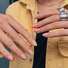 Semi-permanent varnish, false nails, patches: which manicure to choose? - My Nails Cute Acrylic Nails, Cute Nails, Pretty Nails, Pastel Color Nails, Nail Colors, Pastel Colors, One Color Nails, Colorful Nails, Rainbow Colours