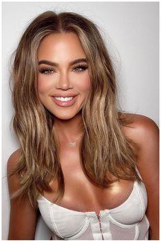 Khloe Kardashian Shows Off New Bronde Look: See the Pic Khloe Kardashian Show, Pelo Bronde, Model Off Duty Style, Hair Inspo, Hair Inspiration, New Hair Colors, Hair Colour, Dark Hair, Hair And Beauty