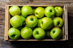 Fruits Photos, Buy Boxes, Green Box, Wooden Background, Fresh Green, Top View, Apples, Vectors, Harvest
