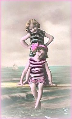 Primarily Primitives by abigailes_mommy: Freebie Vintage Children Photos, Images Vintage, Vintage Pictures, Vintage Photographs, Album Vintage, Vintage Postcards, Vintage Swim, Vintage Girls, Beach Photos