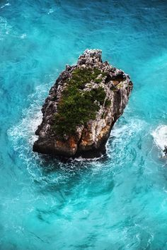 Turquoise waters Bali, Indonesia
