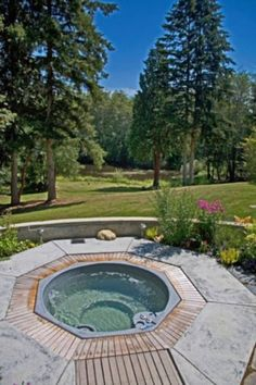 Ideas piscinas jacuzzi on pinterest jacuzzi outdoor - Jacuzzi piscina exterior ...