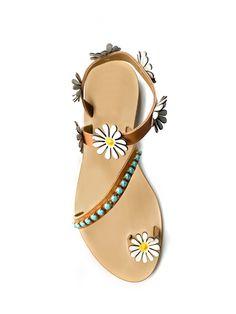 Decorative Beads, Shoe Game, Flat Sandals, Swarovski Crystals, Fashion Shoes, Luxury Fashion, Walking, Footwear, African