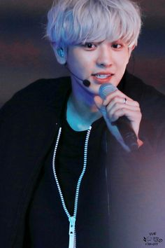 EXO Chanyeol with a mic. Kpop Exo, Exo Chanyeol, Kyungsoo, Kaisoo, Chanbaek, K Pop, Xiuchen, Kim Minseok, Celebrities