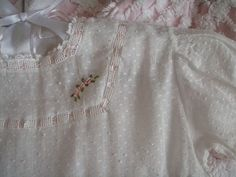 Seriously, I want to pin every picture on this blog.  Stirs up my French Heirloom sewing fingers.