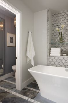 Another shot of that AMAZING Sarah Richardson bathroom