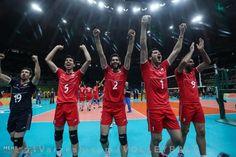تیم ملی والیبال ایران در رده هفتم جهان  http://1vz.ir/148897  تیم ملی والیبال مردان ایران در جدیدترین رده بندی جهانی با سه پله صعود در رده هفتم جهان ایستاد تا به بهترین رتبه تاریخ خود و همچنین ورزشهای تیمی کشور در عرصه بین المللی دست یابد.     والیبال ایران از مجموع چهار رتبه یک رقمی خود در پیکارهای معتبر جهان و المپیک (مقام پنجمی المپیک ۵۰ امتیاز،هشتمی لیگ جهانی ۳۲ امتیاز، هشتمی جام جهانی ۲۵ امتیاز و ششمی قهرمانی جهان۵۶ امتیاز) ۱۶۳ امتیاز کسب کرده و در جایگاه هفتم جدیدترین رده ..
