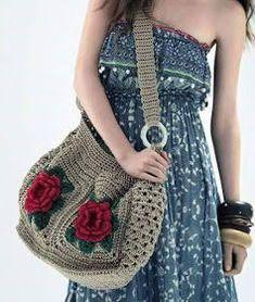 Big bag in viscose crochet with 2 roses on each side. Crochet Diy, Beau Crochet, Crochet Tote, Crochet Handbags, Crochet Purses, Love Crochet, Beautiful Crochet, Crochet Flowers, Crochet Stitches