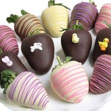 Each strawberry is hand-dipped in an assortment of delicious milk, decadent dark, and heavenly white Belgian chocolates. They are then artfully decorated with handcraft(Chocolate Strawberries Gift) Chocolate Dipped Strawberries, Chocolate Truffles, Mothers Day Chocolates, Strawberry Dip, Strawberry Ideas, Strawberry Delight, Candy Flowers, Edible Arrangements, Belgian Chocolate