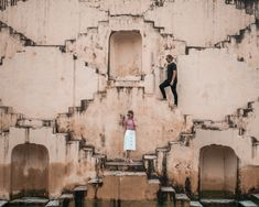 The Ultimate Guide To Jaipur - American and the Brit - Travel Couple Passport Information, Jaipur Travel, Heritage Hotel, Rooftop Restaurant, Outdoor Seating Areas, Famous Places, Buy Tickets, Travel Couple, Great Places