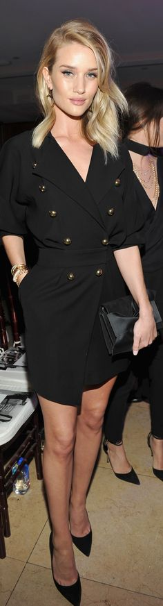 Rosie Huntington-Whiteley veste Alexandre Vauthier - Front Row Honor Carine Roitfeld in Los Angeles