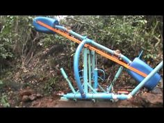 Bomba Monjolo - YouTube Mechanical Engineering Projects, Electrical Engineering, Heron Fountain, Ram Pump, Electronic Circuit Projects, Homestead Farm, Diy Tech, Aquaponics Fish, Farm Gardens