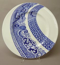 Secret Lives of Objects: Willow Pattern Take Two Blue And White China, Love Blue, Blue China, New Blue, Blue Tattoo, Willow Pattern, Curtain Patterns, China Patterns, Delft