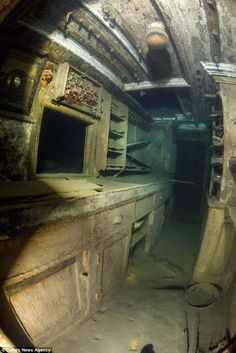 Becky Kagan Schott had to dive down to deep along with her team to catch a glimpse of the eerie ship. 'The Gunilda' was built in Leith, Scotland, and sunk over a century ago in Old Abandoned Buildings, Abandoned Ships, Ancient Buildings, Abandoned Places, Underwater Shipwreck, Underwater Sculpture, Old Sailing Ships, Rms Titanic, Lake Superior