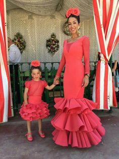 . Big Dresses, Girls Dresses, Hijab Fashion, Fashion Outfits, Africa Fashion, Kids Fashion, Fashion Design, African Dress, Beautiful Outfits