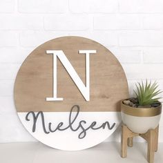 Custom Wood Signs, Wooden Signs, Crafty Projects, Wood Projects, Wood Crafts, Fun Crafts, Best Scroll Saw, 3d Laser Printer, Wooden Wreaths
