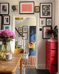 Living Room Bedroom, Living Room Decor, Dorm Room, Picture Wall Shelf, Home Wall Colour, Eclectic Gallery Wall, Inspire Me Home Decor, Interior Design Studio, Beautiful Interiors