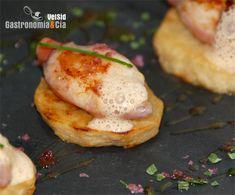 Patata confitada con chipirón relleno de jamón y aire de cacahuete
