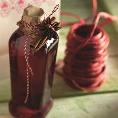 Lingonberry glogg - in Finnish! Diy Christmas Presents, Christmas Punch, Christmas Diy, Merry Christmas, Christmas Foods, Berry Juice, Swedish Christmas, Star Anise, Mulled Wine