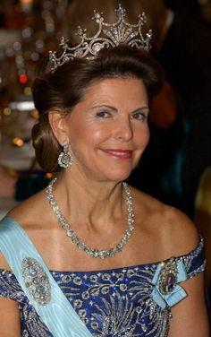 "Queen Silvia (Sue wrote, ""A queen with tan lines, I love it."""