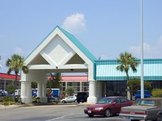 Gulfport (MS) Best Western PLUS Seaway Inn United States, North America The 3-star Best Western PLUS Seaway Inn offers comfort and convenience whether you're on business or holiday in Gulfport (MS). The hotel offers a wide range of amenities and perks to ensure you have a great time. Service-minded staff will welcome and guide you at the Best Western PLUS Seaway Inn. All rooms are designed and decorated to make guests feel right at home, and some rooms come with non smoking ro...