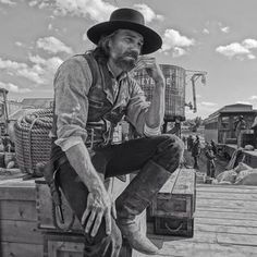 """Anson Mount's photo """"PIC from episode 405 of @HellOnWheelsAMC @AMC_TV Do NOT mess with this man. @dohn_n"""" on WhoSay"""