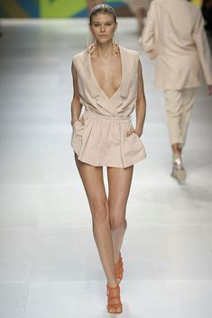 Stella McCartney Spring 2009 Ready-to-Wear Collection Photos - Vogue