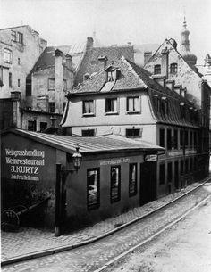 Das Weinhaus Kurtz 1895 in der Augustiner Gasse. © Stadtarchiv