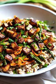 Honey Ginger Tofu and Veggie Stir Fry - crunchy colorful veggies, golden brown tofu, homemade stir fry sauce