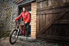 Dan Atherton's coach, Alan Milway, gives some pointers on how to become a better enduro rider.