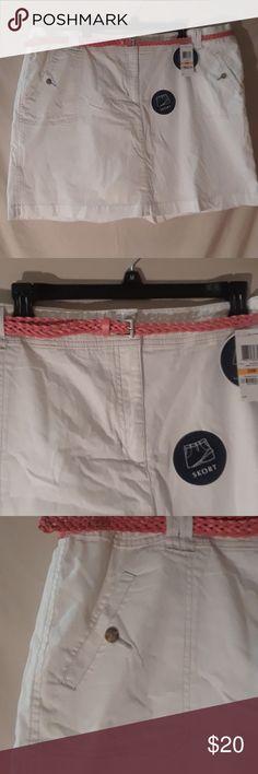 Karen Scott skort White Skort w/ Orange belt & elastic waist (21.5 in long) Karen Scott Skirts Midi