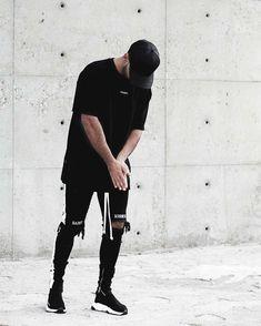 "- ▪ All Streetwear (@all.streetwear) ""All Black Everything Tag Friends #allstreetwear @jaffarystudios Follow @all.streetwear _ _…"""