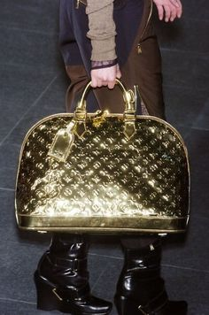 Louis Vuitton gold purse #louisvuitton #purse