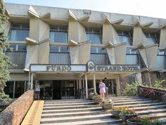 Zwembad Debrecen        Magyarország;  Hungary;  Ungarn Mansions, Retro, House Styles, Home Decor, Decoration Home, Manor Houses, Room Decor, Villas, Mansion
