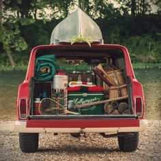 World Camping. Tips, Tricks, And Techniques For The Best Camping Experience. Camping is a great way to bond with family and friends. Camping And Hiking, Camping Car, Camping Life, Camping Hacks, Outdoor Camping, Camping Style, Outdoor Travel, Backpacking, Jeep Wagoneer