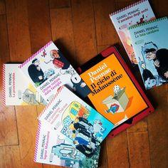 """Ce li hai tutti o ti manca qualche capitolo della saga più amata di sempre? Prima di leggere """"Il caso Malaussène. Mi hanno mentito"""" fai un ripasso con #ZoomBox  {http://bit.ly/malaussene  link in bio}     #IlcasoMalaussène #DanielPennac #InLibreria #BookLover #Instabook #Bookgram #Book #Books #Libri #Libro #AmoreperILibri"""