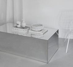 - A highly versatile mirrored plinth - Makes a perfectcoffee table - Silver mirrored acrylic finish - Can be paired...
