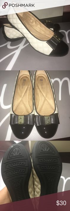 White mountain black and cream flats 8.5 White mountain black and cream flats 8.5, gently used White Mountain Shoes