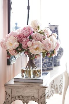 Beautiful pink peonies in clear vase for a romantic space! Console table decor -MD #weddingflowers