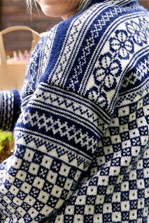 Bøvertun 781 S one of my absolute favourites! Fair Isle Knitting, Hand Knitting, Knitting Stitches, Hand Knitted Sweaters, Cool Sweaters, Norwegian Knitting, Nordic Sweater, Fair Isle Pattern, Bunt