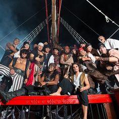 Pirates night show cancun