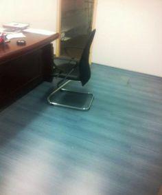 פרקט למינציה כחול משרד בתל אביב - יורם פרקט מכירה והתקנה טל: 050-9911998   http://www.2all.co.il/web/Sites1/yoram-parquet/PAGE16.asp