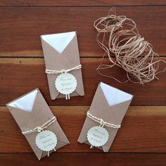 lagrimas de alegria - Pesquisa Google Wedding Rice, Diy Wedding, Wedding Gifts, Dream Wedding, Wedding Ideias, Happy Tears, Wedding Planner, Ideas Para, Gift Wrapping