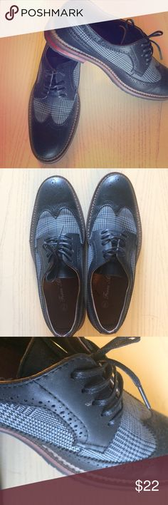 Ferro Aldo Oxford Plaid Tweed Shoes NWOT Oxford shows by Ferro Aldo. They feature a great plaid tweed fabric on the side and are super comfortable. I bought them in two colors and ended up liking the other color more with my wardrobe. I just don't have the space to hang onto these as well. They are technically a men's shoe but are cut very well for women and are carried in a woman's boutique near me. These fit like a woman's size 10. Ferro Aldo Shoes Flats & Loafers
