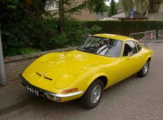 Opel. GT in Yellow