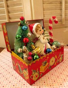 Vintage CUTE Tin Recipe Box with Vintage by dimestorechic on Etsy - Christmas - Primitive Christmas, Vintage Christmas Crafts, Antique Christmas, Vintage Ornaments, Xmas Crafts, Vintage Holiday, Christmas Projects, Christmas Holidays, Christmas Wreaths