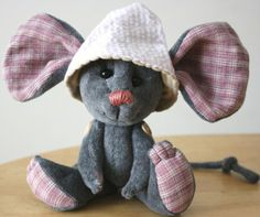Mouse with a hat